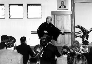 Tsubaki Sensei 2001 Shunshinkan Dojo Opening.FULLSIZE